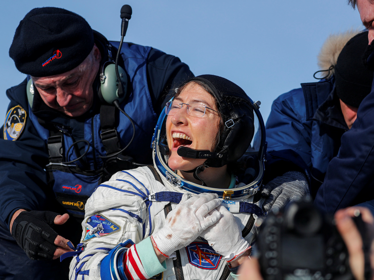 nasa-astronaut-and-her-dog-reuniting-after-328-days-in-space