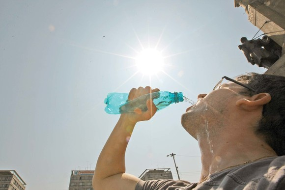 high-heat-and-humidity-could-weaken-the-coronavirus-according-to-a-study