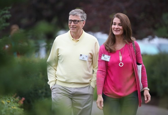 this-is-where-bill-gates-lives-during-quarantine-what-does-the-43-million-villa-look-like