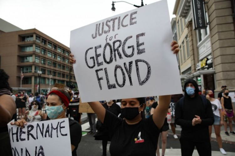 violence-in-minneapolis-after-the-murder-of-george-floyd-a-state-of-siege-was-declared