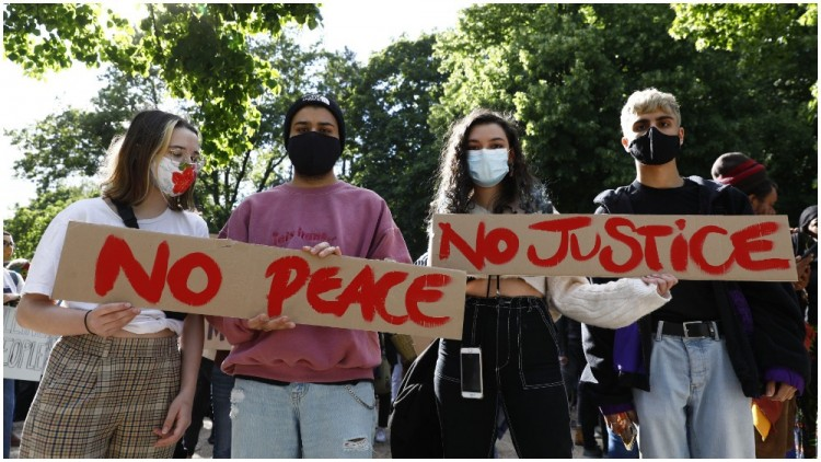 massive-protests-in-london-after-the-violent-death-of-george-floyd-there-is-no-peace-without-justice
