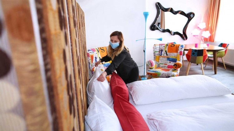 russia-wants-to-ban-hotels-from-accommodating-unmarried-people-in-the-same-room