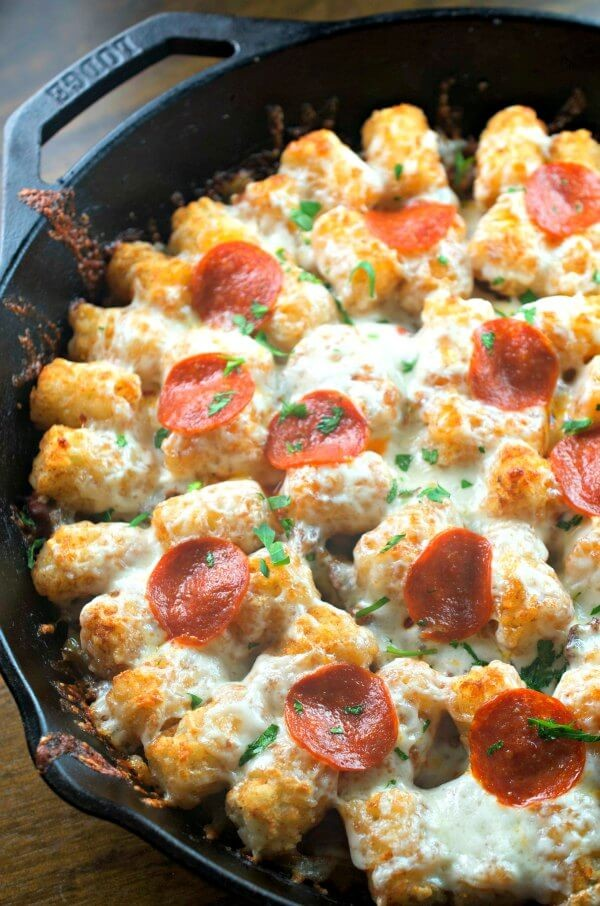 tater-tot-breakfast-pizza-a-perfect-brunch