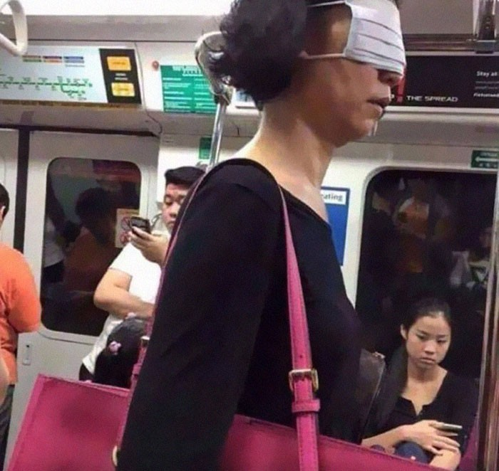 20-metro-passengers-wearing-ridiculous-masks-made-of-panties-buckets-plantain-and-other-inappropriate-things