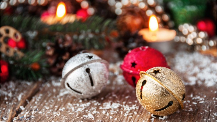 top-10-christmas-songs-that-will-bring-home-the-spirit-of-the-winter-holidays