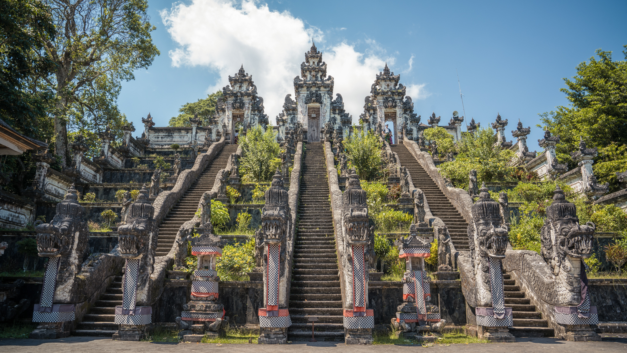 Pura Lempuyang Luhur travel guidebook –must visit attractions in Bali – Pura  Lempuyang Luhur nearby recommendation – Trip.com