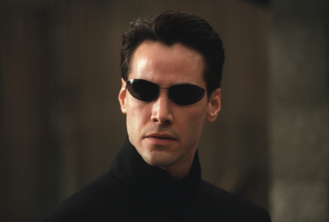 Keanu Reeves' 'Matrix' Suit and Mechanical 'Alien' Head Go to Auction |  IndieWire