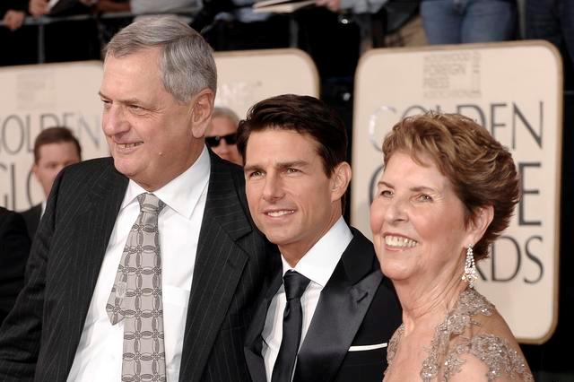 Tom Cruise Height, Weight, Age, Biography, Wife & More » StarsUnfolded