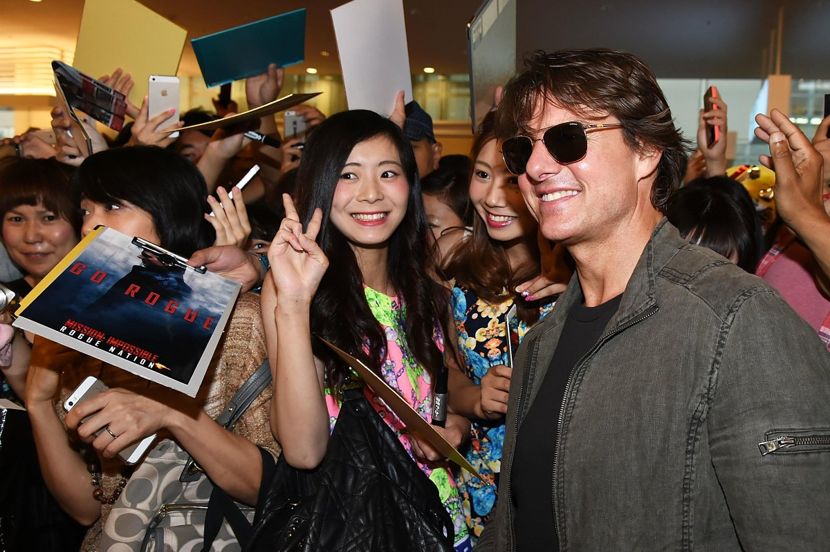 "Tom Cruise on Twitter: ""I've just arrived in Japan for the new MISSION!  More to come soon… #MIJP http://t.co/MjDLaIXF0T"""