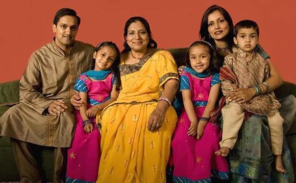 """Картинки по запросу """"indian family"""""""