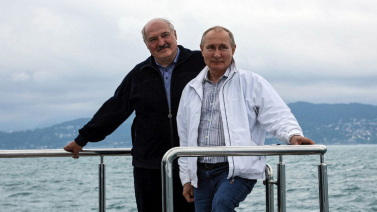 good-old-friends-putin-and-lukashenko-having-a-good-time-in-sochi-russia