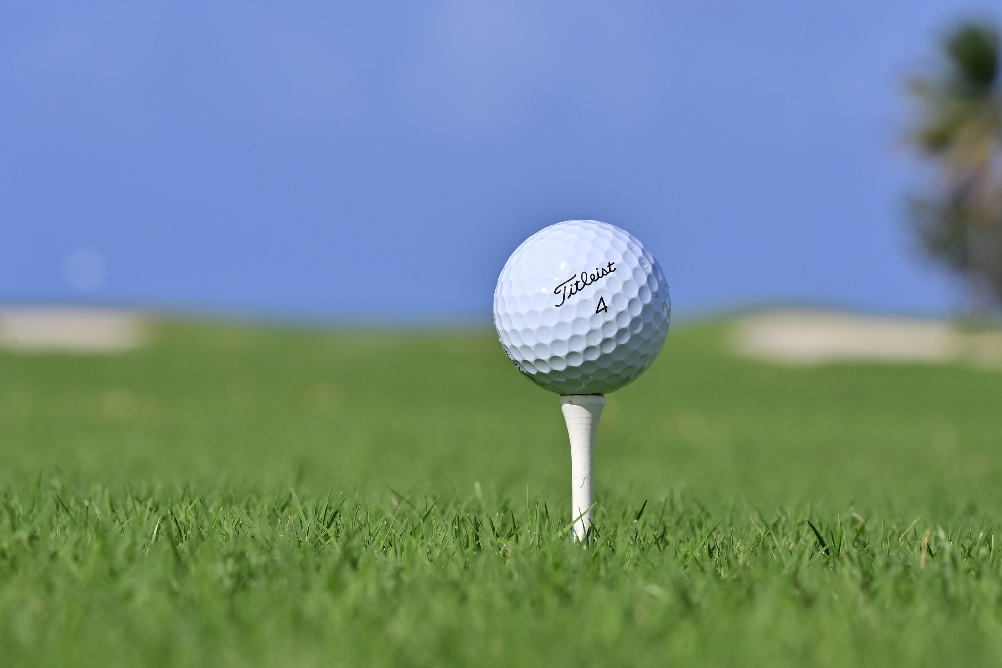 Acushnet introduces Union Green golf balls and takes a giant divot