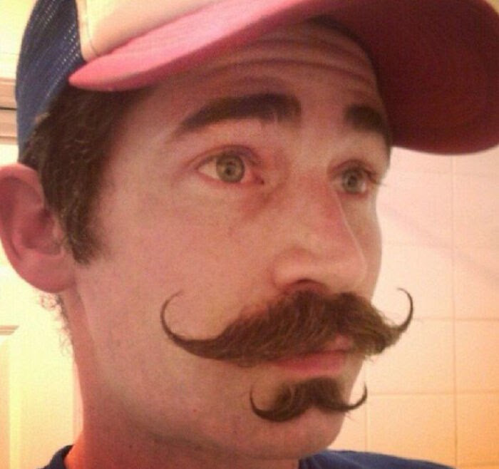 20-men-who-tried-the-double-mustache-trend-and-made-fun-of-their-results-online